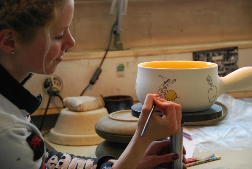 Handbemalte Rheinfelder Keramik, Fonduetopf